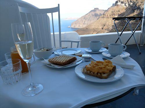 Athina Luxury Suites in Santorini